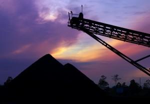 Coalstockpileatsunrise1